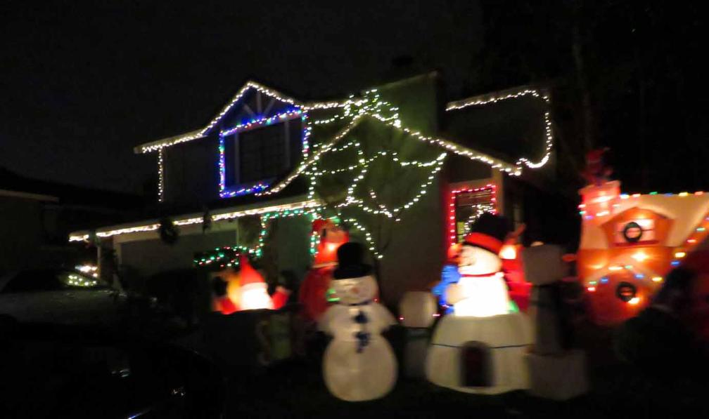 in addition to livermore pleasanton and san ramon several other towns in san francisco bay area also have amazing christmas light shows - Bay Area Christmas Lights