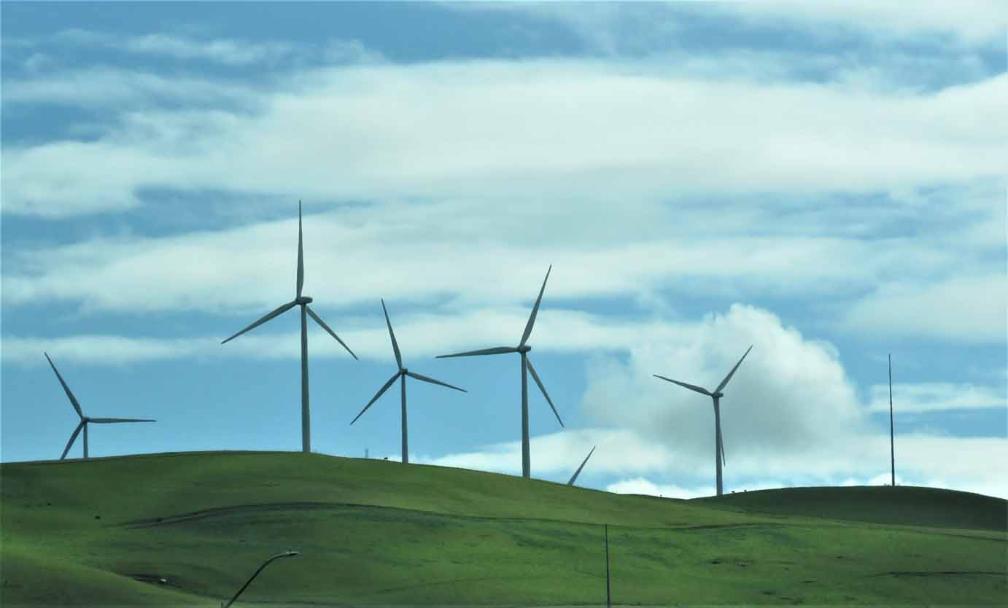 Giant Wind Turbine Farms Near Livermore And Rio Vista In