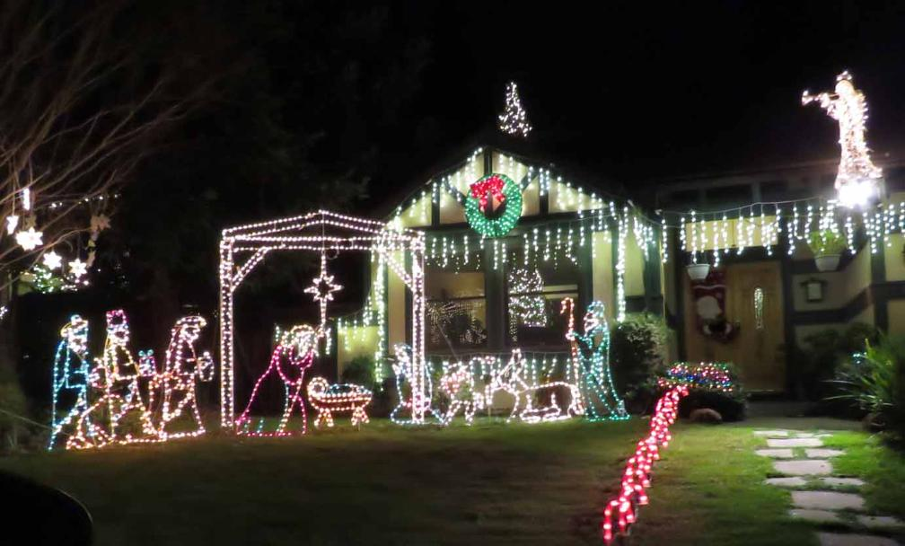 In Addition To Livermore, Pleasanton And San Ramon, Several Other Towns In  San Francisco Bay Area Also Have Amazing Christmas Light Shows.